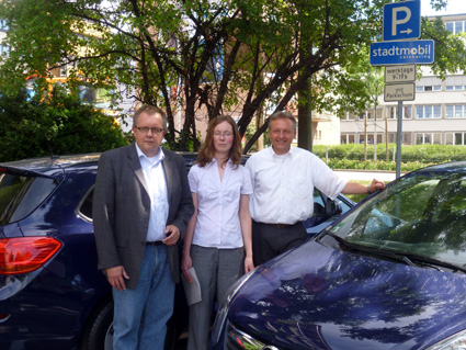 Bild: Pro Carsharing: Bürgermeister Alexander  Uhlig (rechts im Bild)
