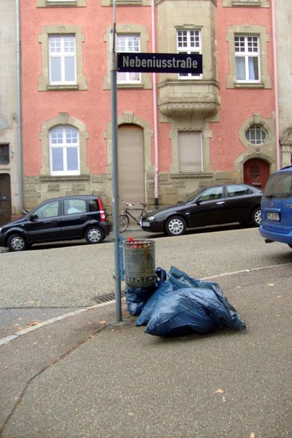Bild: Immer wieder neue Müllsäcke...