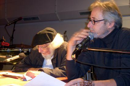 Bild: v.l.: Ernesto Cardenal,  Lutz Kliche , sein Übersetzer (Foto: R. Neff)