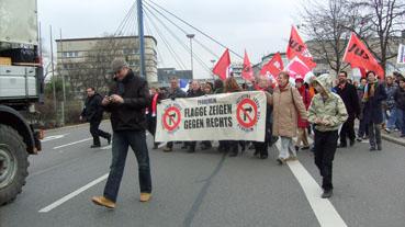 Bild: Marsch gegen Nazis..