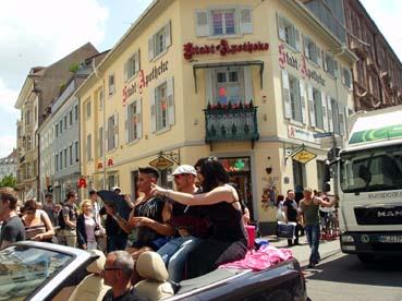 Bild: Conchita Wurst - Täuschend echtes Double.. (Foto. R. Neff)