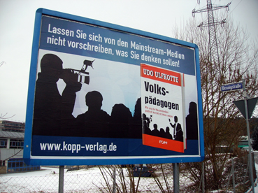 Bild: Umstritten: Kopp-Plakat im Pforzheimer Industriegebiet Brötzinger Tal  (Foto: RN)