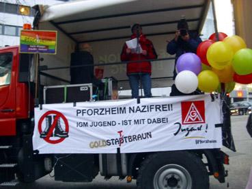 Bild: Wolf-Dietrich Glaser (DGB-Vorsitzender Pforzheim/Enzkreis) auf dem Funmog