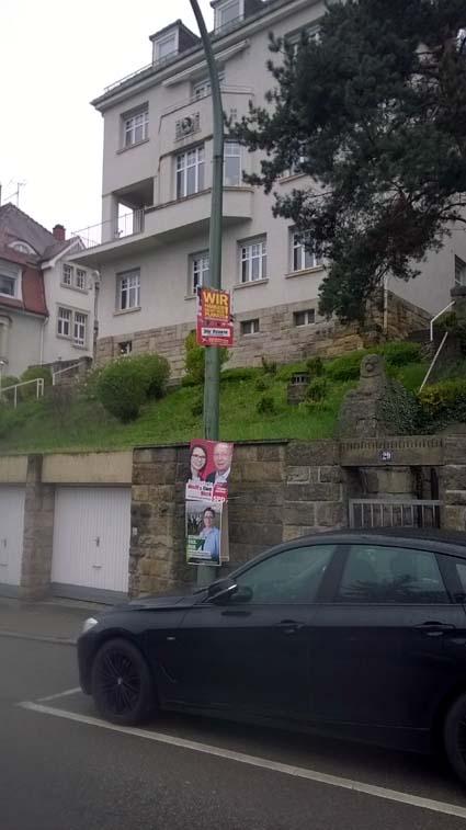 Bild: Mit hetzerischen Plakaten versucht die neonazistische Rechte im Wahlkampf Stimmung u.a gegen Flüchtlinge zu machen (inzwischen entfernt)