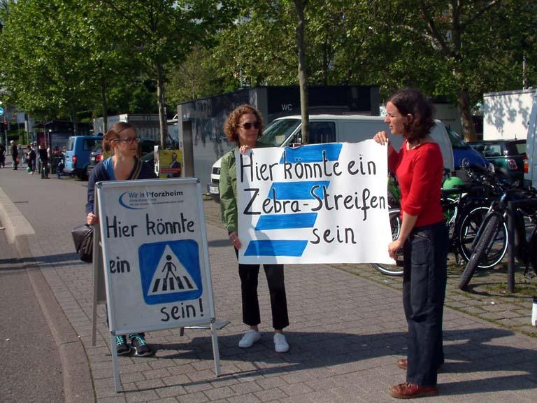 Bild: Engagiert für mehr Verkehrssicherheit, die WiP_Kandidatinnen Kerstin Heissenberger, Carolin Golderer und Marthe Soncourt (v.l.)