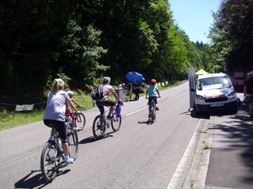 Bild: Radler auf der weitgehend autofreien Strecke bis Mühlhausen