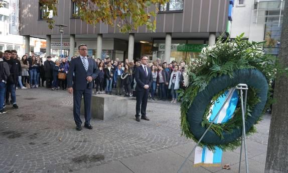 Bild: v.l.. Rami Suliman, Jüdische Gemeinde, Peter Boch, OB Stadt Pforzheim