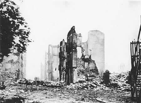Bild: Gernika im Basekenland nach der Zerstörung durch die faschistische  Legion Condor (WP)