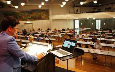 Bild: Liane bei der Delegiertenversammlung