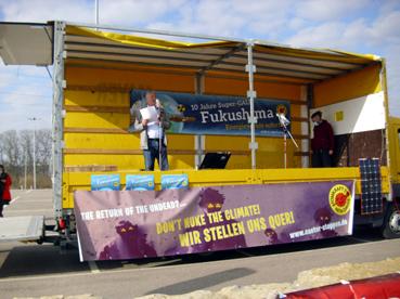 Bild: Herbert hielt eine engagierte Rede auf der Bühne beim AKW Neckarwestheim
