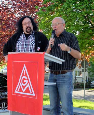 Bild: v.l.:  Arno Rastetter (IG Metall)  , Udo Mast , BR bei Johnson Control