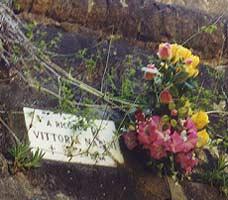 Bild: Opferehrung in Marzabotta (Foto: Resistenza)