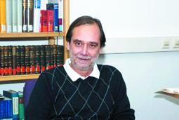 Bild: Buchautor: Prof. Dr. Hans Peter Becht- ehemaliger Leiter des Stadtachives Pforzheim