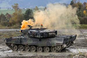 Bild: Leopard 2 im Gefecht